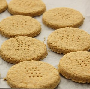 oats, crackers, oat crackers, wheat-free, nut-free, healthy